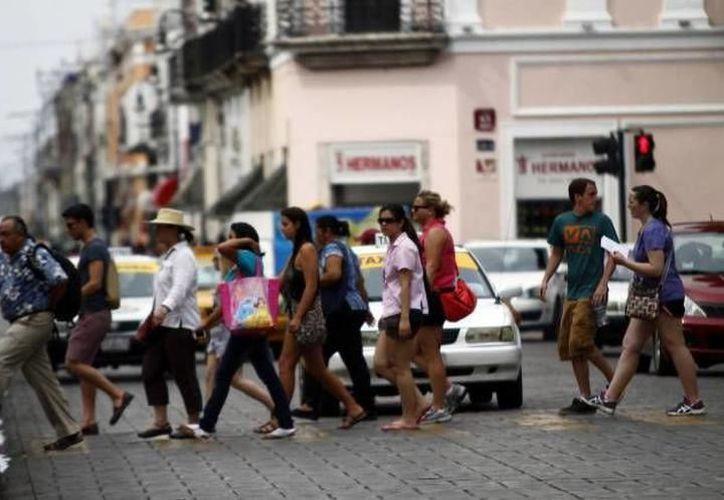 Así como miles de personas llegan a Mérida y se hospedan en hoteles, otras miles llegan para quedarse en casa de sus familiares. (Foto: Redacción/SIPSE).