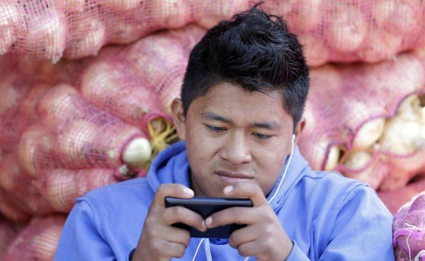 La moneda electrónica creada por Ecuador desde el Banco Central se utilizará desde la red de celulares. (Agencias)