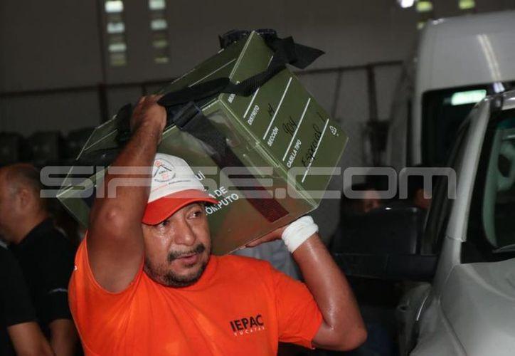 Los paquetes electorales del Iepac serán entregados en los consejos municipales. (Jorge Acosta/Milenio Novedades)