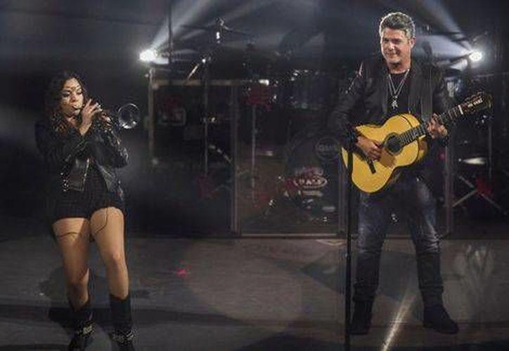 El cantante Inició su gira en México ante 10 mil personas en el Auditorio Nacional, este viernes. (Notimex)