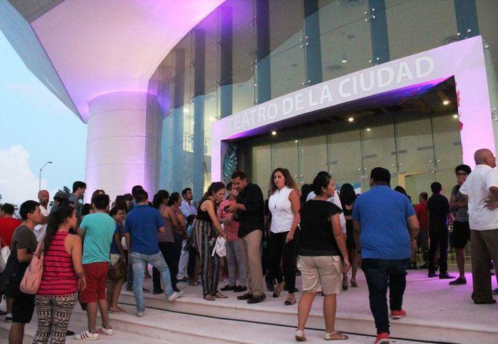 El Riviera Maya Film Festival fue inaugurado ayer en el Teatro de la Ciudad. (Octavio Martínez/SIPSE)