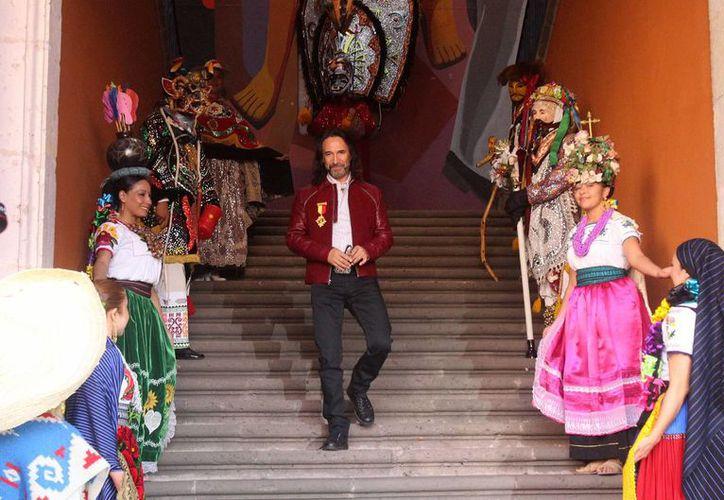 """El cantautor michoacano, Marco Antonio Solís """"El Buki"""", recibió la presea """"Generalísimo Morelos"""" que le fue otorgada por el Cabildo de la ciudad. (Notimex)"""