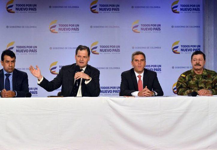 El alto comisionado para la Paz de Colombia, Sergio Jaramillo, informó el martes 10 de enero de 2017, que 130 guerrilleros de las FARC, condenados por rebelión, recibieron el beneficio del indulto. (Presidencia Colombia, vía Notimex)