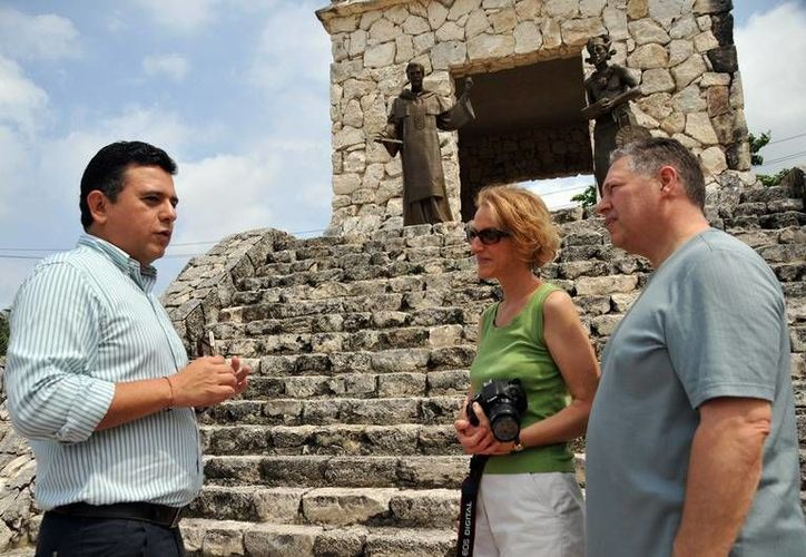 Durante 2014 aumentó el número de visitantes a Cozumel, según el alcalde, Fredy Marrufo Martín. (Redacción/SIPSE)