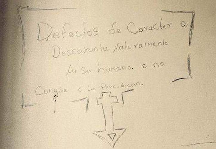 Sobre la paredes escribieron con lápiz frases filosóficas y bíblicas. (Mónica González/Milenio)