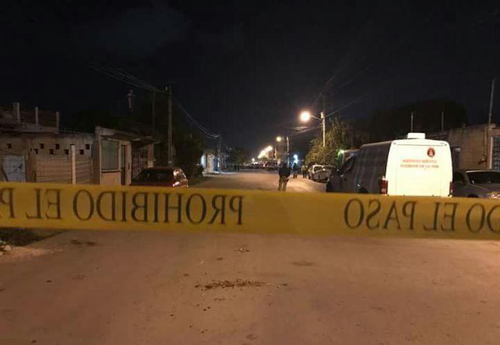 El cuerpo de la mujer fue hallada en un área verde de la Región 203. (Eric Galindo/SIPSE)