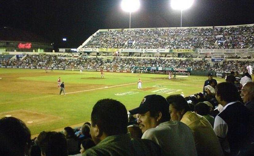 Debido a que esta ha sido una de las mejores temporadas para Leones de Yucatán en cuanto a asistencia de aficionados, los dueños del equipo anunciaron importantes promociones. (SIPSE)