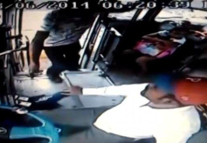 El asalto frustrado por un chofer se registró en la zona metropolitana de Guadalajara.(Foto tomada de sdpnoticias.com)
