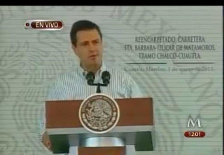 Peña Nieto habló de la reforma educativa al inaugurar un tramo carretero entre Morelos y Edomex. (Captura de pantalla)