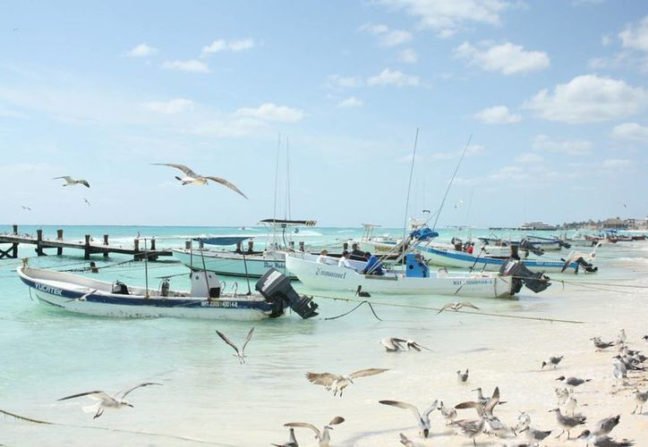 Desde el pasado martes las condiciones mejoraron pero es poco el pescado que han capturado. (Alida Martínez/SIPSE)