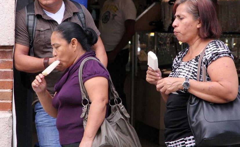 En las últimas horas, Mérida registró temperaturas más altas de lo 'acostumbrado' en las últimas semanas, pero el 'gusto' durará poco: ay viene otro frente frío que amenaza con prolongarse hasta la Nochebuena. (José Acosta/SIPSE)