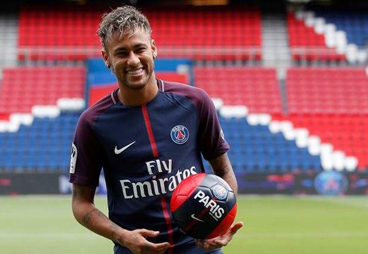 El padre de Neymar asegura que el jugador quería salir de su zona de confort, por eso dejó el club azulgrana. (Foto: Contexto/Internet)