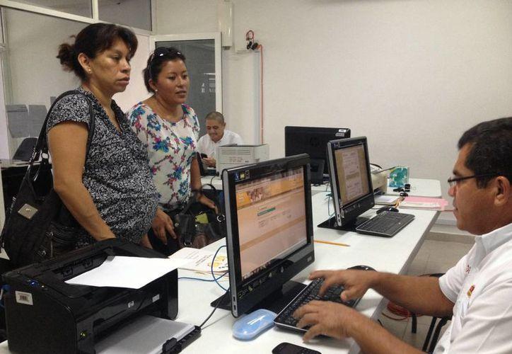 La SEQ entregó 200 fichas para el mismo número de trámites. (Adrián Barreto/SIPSE)