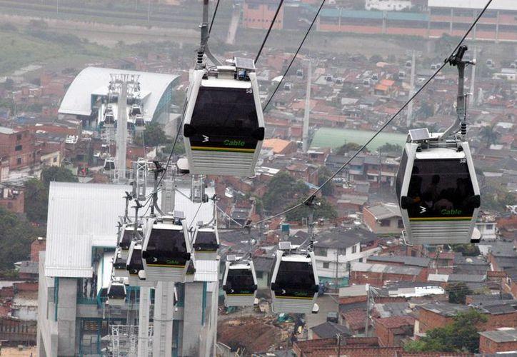 La empresa austríaca Doppelmayr propuso a las autoridades uruguayas la construcción del sistema de transporte elevado. (EFE/Archivo)