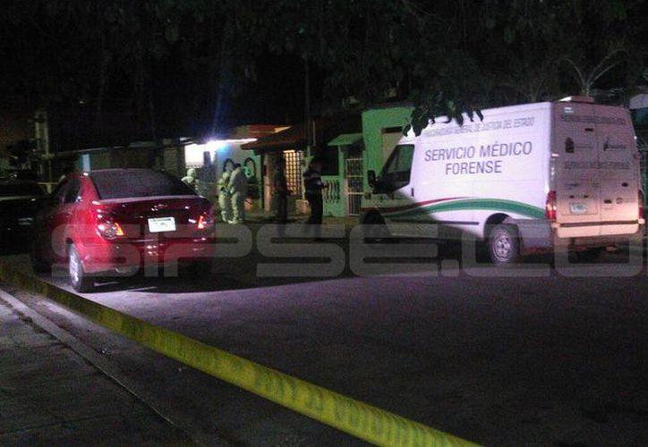 Al sitio arribaron elementos de la Policía Municipal para acordonar el área. (Enrique Mena/ SIPSE)