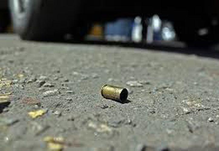 En la escena del crimen quedaron esparcidos una decena de casquillos. (Contexto/Internet)