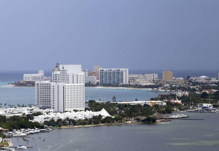 Cancún promoverá parques temáticos, destinos alternativos, sol y playa. (Israel Leal/SIPSE)