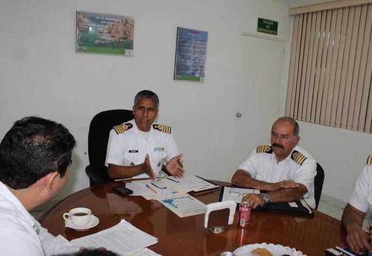 Aspecto de la reunión para afinar los preparativos del Día de la Marina en Progreso. (Óscar Pérez/SIPSE)