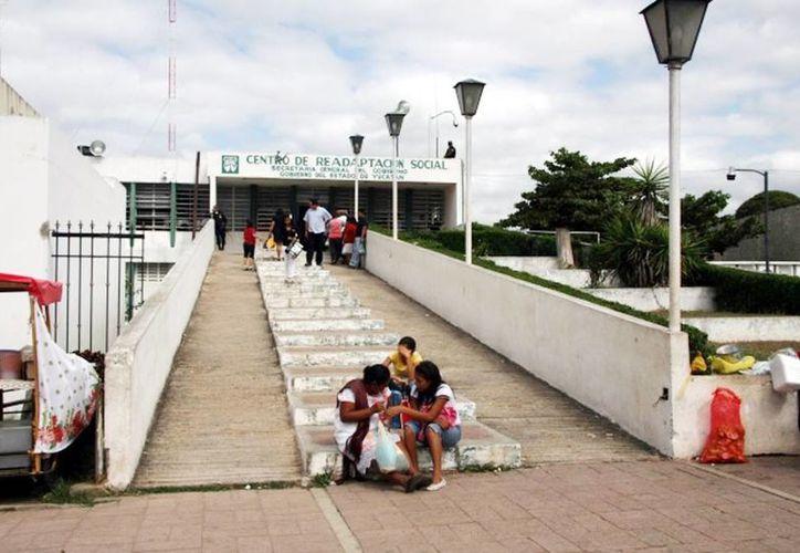 El Cereso de Mérida tiene 2,200 reclusos; el de Tekax, 146, y el de Valladolid, 176 reos. (Milenio Novedades)
