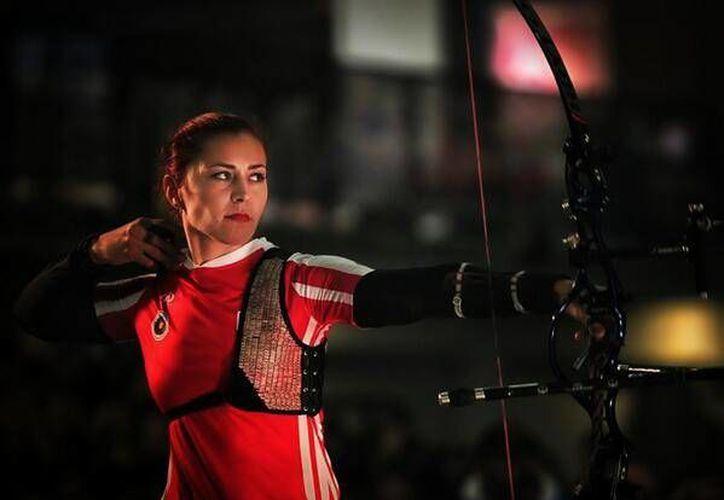 A dos años y medio de haber triunfado en las Olimpiadas de Londres, la mexicana Aída Román cosechó un nuevo logro en Nimes, Francia. (noticiasen3minutos.com)