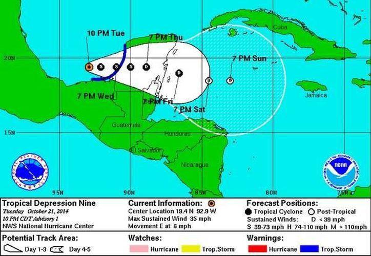 Esta noche se formó en el Golfo de México la depresión tropical número 9, que se dirige hacia la Península de Yucatán. (CNH)