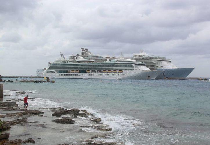 "Hoy atracarán en la isla siete ""hoteles flotantes"". (Gustavo Villegas/SIPSE"