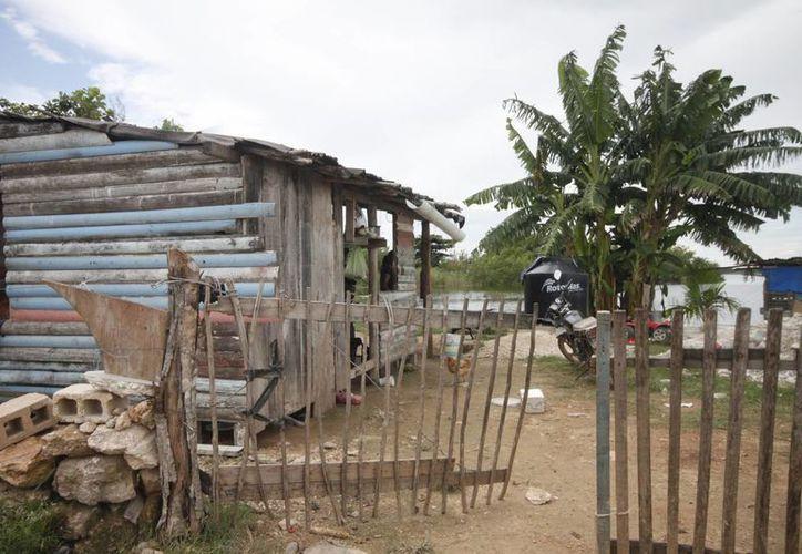 Un total de 278 mil 400 personas no tienen acceso a servicios básicos en la vivienda. (Gerardo Amaro/SIPSE)