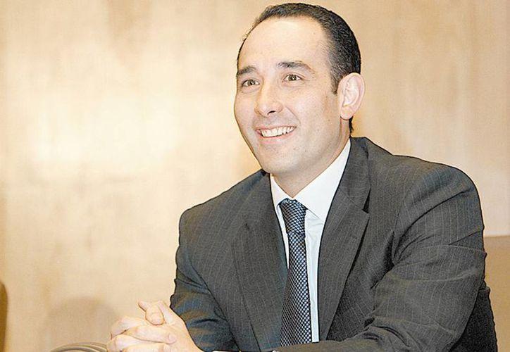 Los corderistas como  Roberto Gil Zuarth , no han discutido si presentarán propuesta energética. (Milenio)
