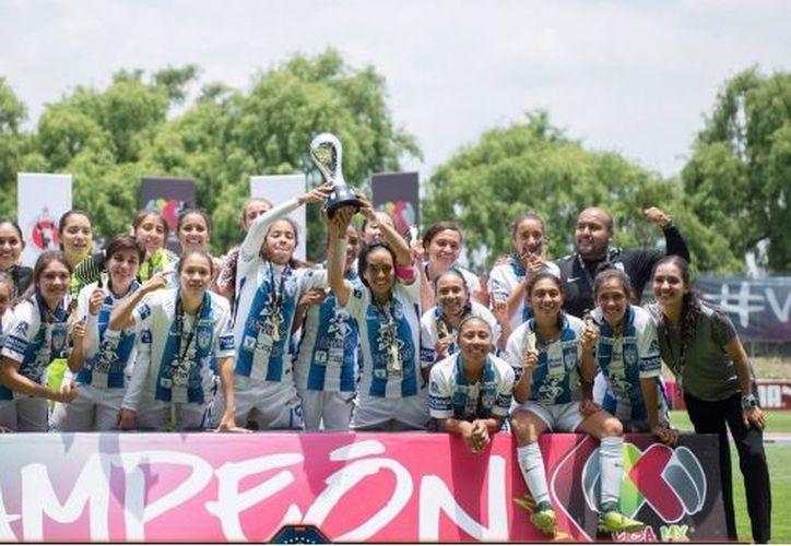 El equipo femenil de Pachuca se corona como campeón de la Liga Mx. (SDP Noticias)