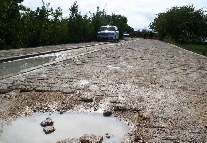 Las obras de rehabilitación en Punta Esmeralda contemplan el arreglo del acceso público.  (Octavio Martínez/SIPSE)