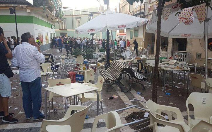 Decenas de personas lesionadas por la explosión fueron ingresadas a hospitales cercanos. (Twitter.com/@CREMalaga)