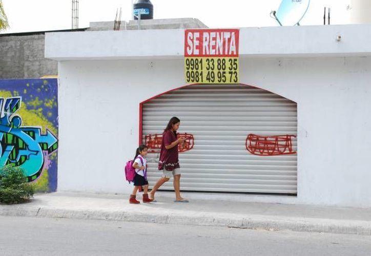 Al tener pocas ventas, los comerciantes tienenque pedir un préstamo para salir a flote, pero al no poder pagarlo, se ven en la necesidad de cerrar. (Archivo/SIPSE)