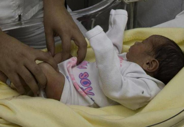 La madre del menor identificada como Isabel Hernández Alfonso, fue quien reportó la desaparición del  bebé recien nacido. (Archivo SIPSE)