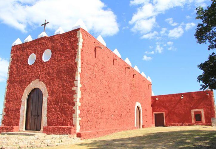 A la Ermita de Tekax, construida en 1645 sobre un cerro, se le considera un estupendo mirador. (José Acosta/SIPSE)