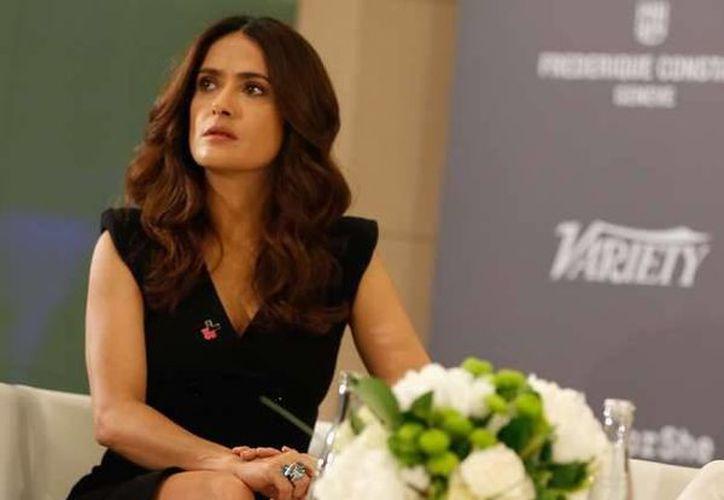 La actriz mexicana Salma Hayek debatió en el Festival de Cannes respecto a la equidad de género y los sueldos en la industria del cine. (terra.com)