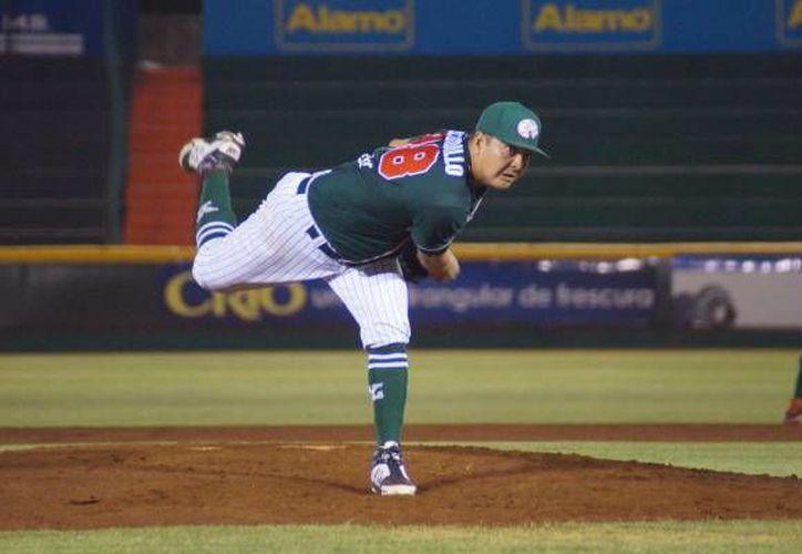 El ganador de la noche fue Juan Delgadillo de Leones de Yucatán durante su duelo contra Tigres de Quintana Roo. (Milenio Novedades)