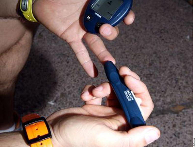 Si no se controla, la diabetes puede arruinar la vida de las personas robándoles su visión, su movilidad e incluso sus miembros. (Agencia Reformas)