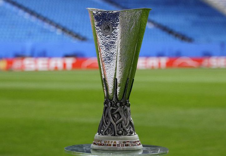 El trofeo de la UEFA Europa League está compuesto de plata y pesa 15 kilos. (Foto: Contexto)