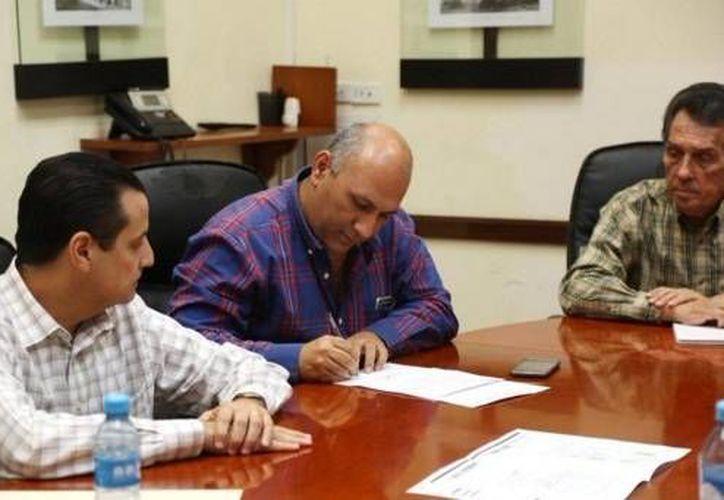 Tras protestas vecinales en la colonia México debido a la ampliación de unas oficinas, este martes las partes llegaron a un acuerdo. (Fotos: twitter.com)