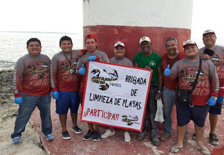 Los integrantes de Alacranes Cancún son personas preocupadas con el medio ambiente su objetivo es sumar gente en el desarrollo de sus eventos. (Jesús Tijerina/SIPSE)