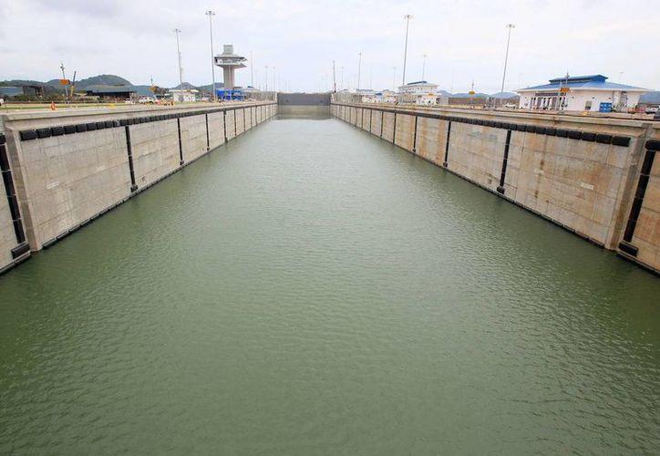 Vista general de la esclusa Cocolí, parte del proyecto de ampliación del Canal de Panamá, que se inaugurará a fin de mes. (EFE)
