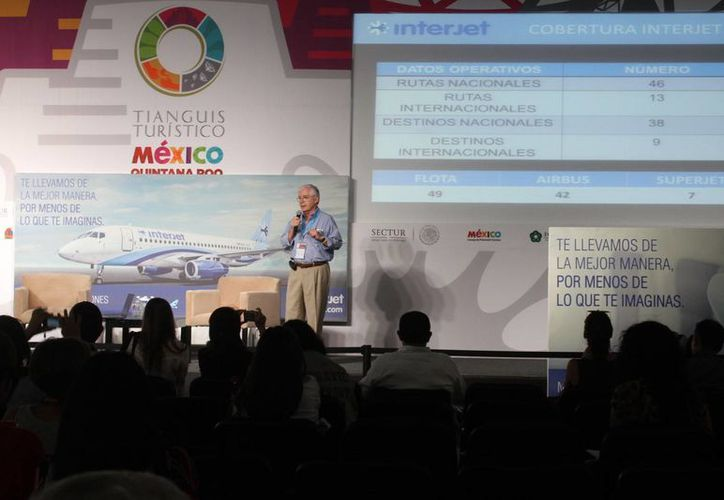 Parte de los ciclos de conferencias  realizada en el Lakám Center. (Sergio Orozco/SIPSE)