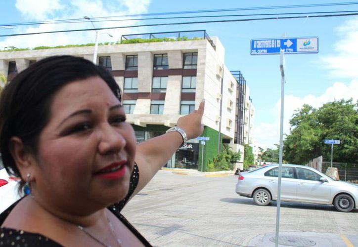 La regidora Maribel Morales Orozco reconoce el error en el diseño de la nomenclatura.