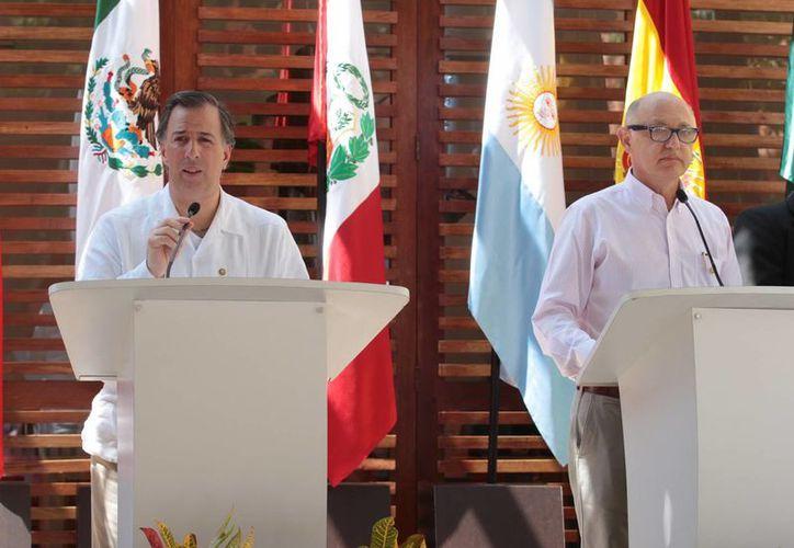 Meade (i): la reunión entre Alianza del Pacífico y Mercosur es para conocer de primera mano, no solamente la estructura, sino el grado de avance de muchos de los temas que integran la agenda cotidiana del segundo organismo. (Notimex)