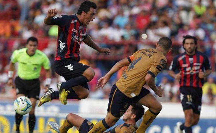 'Jagger' Martínez y Alberto 'Guamerú' fueron los jugadores que el estratega azulgrana mandó a la cancha en busca de una reacción. (Cortesía)