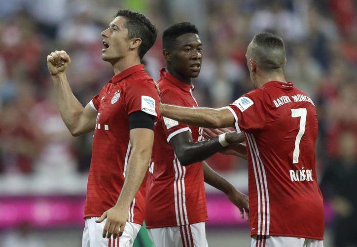 El Bayern Múnich se ubica rápidamente en el primer lugar de la Bundesliga alemana, luego de tremenda goleada en la primera jornada.(Matthias Schrader/AP)