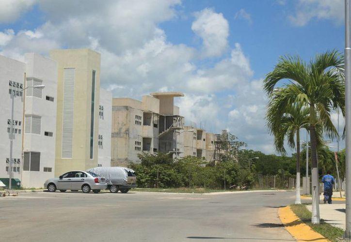 La desarrolladora de vivienda Homex dejó a los habitantes del fraccionamiento Villa Maya con una millonaria deuda en agua potable. (Adrián Barreto/SIPSE)