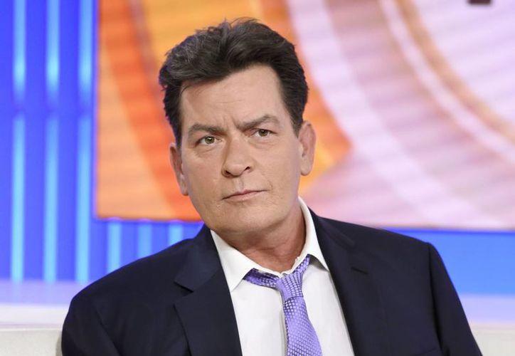 Este martes, el polémico actor Charlie Sheen anunció en el programa Today de la cadena NBC que es portador positivo del VIH desde hace cuatro años. Sin embargo, debido a un fuerte tratamiento médico Sheen no está enfermo de Sida. (Archivo AP)