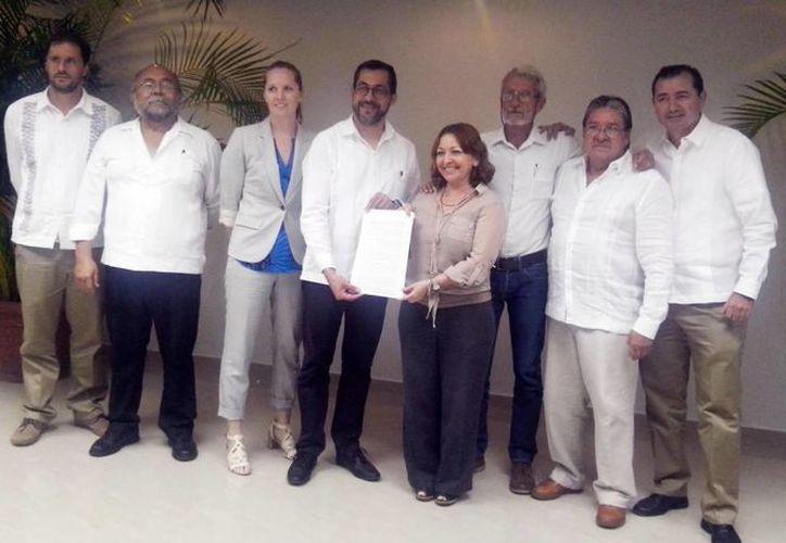 Representantes de gobiernos y universidades durante su reunión en contra del cambio climático, ayer en Campeche. (Milenio Novedades)
