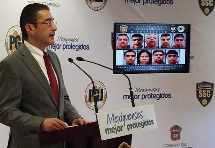 Presentación en conferencia de prensa de los imputados narcomenudistas detenidos en Zinacantepec, Estado de México. (@ProcuradorMXQ)